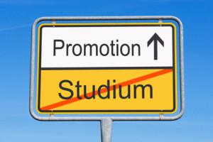 Eine Promotion kann, muss aber nicht für den nötigen Karriereschub sorgen.